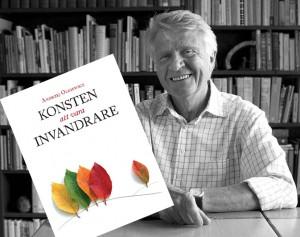 Andrzej med inklippt bok. Foto: Boguslaw Rawinski