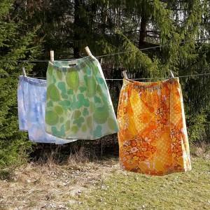 Annika Winterros / Care of Winterros kommer att sälja klänningar och kjolar i retrotyger, tights i spännande mönster, smycken och flugor.