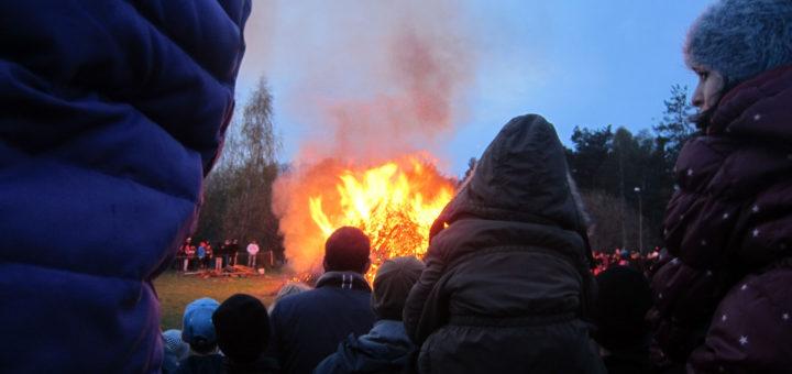 Valborgsfirande i Skarpnäck 2015 (foto: Bagisbloggen)